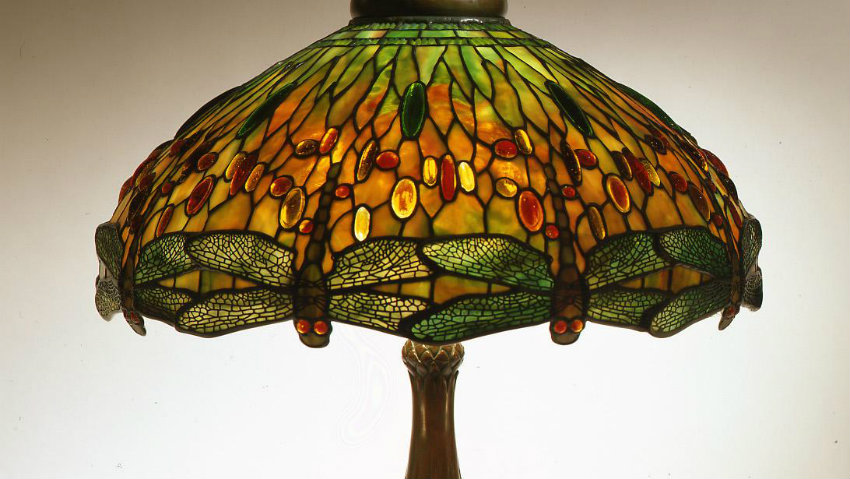 tiffany lamps An In-depth Look at Tiffany Lamps lampe tiffany libellules dragon fly