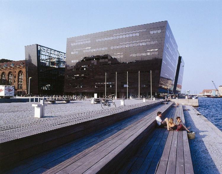 THE-BLACK-DIAMOND-library-DENMARK best libraries around the world BEST LIBRARIES AROUND THE WORLD (CONT) THE BLACK DIAMOND library DENMARK