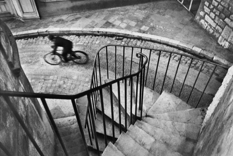 HCB1932001W0066BC  Henri Cartier-Bresson the Decisive Moment sfmoma hcb 01 hyeres 1932