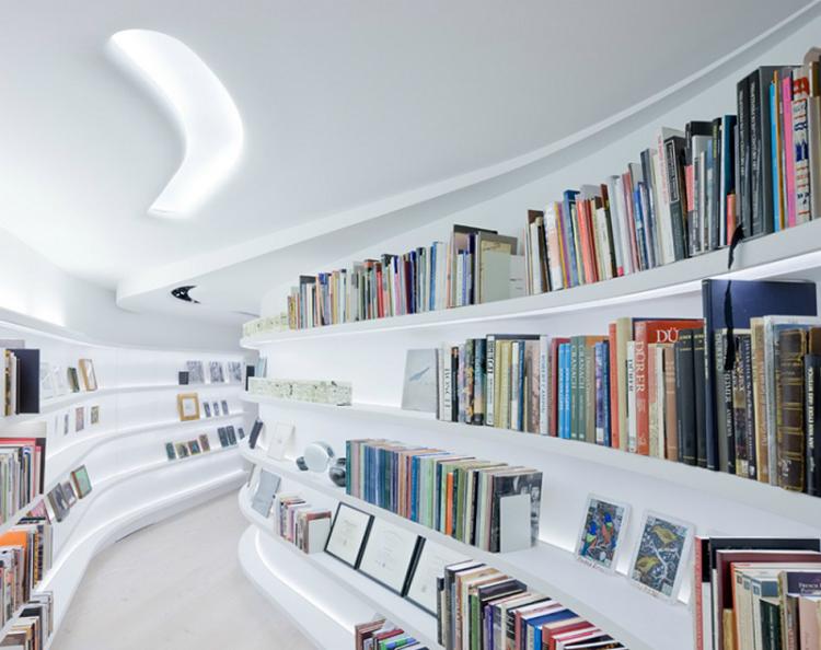 10-Amazing-Modern-Bookshelves6