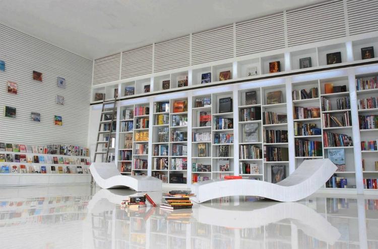 10-Amazing-Modern-Bookshelves7