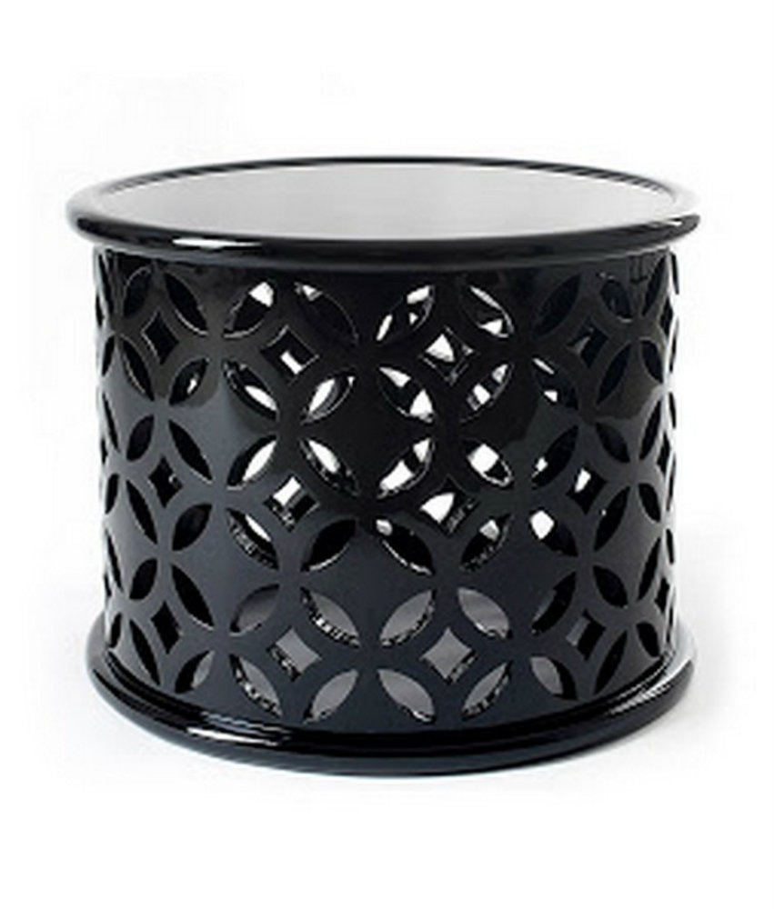 stone boca do lobo center table black center table round center table  Veranda: The Art of Outdoor Living by Lisa Newsom stone 01