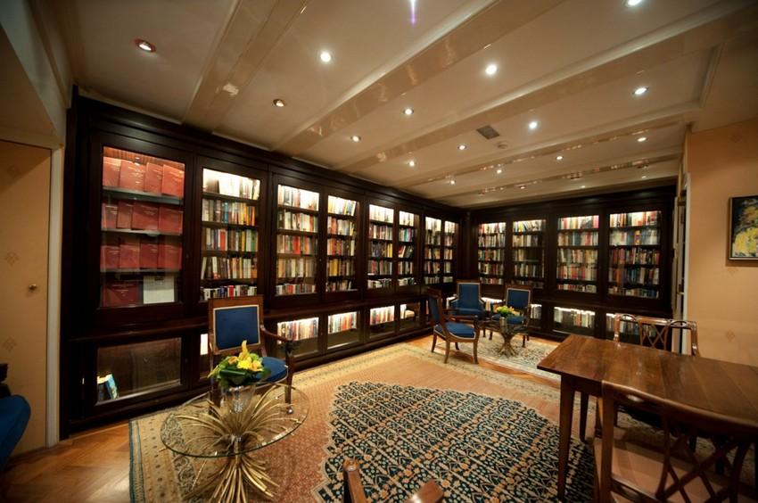 Hotel Libraries Around the World (3)